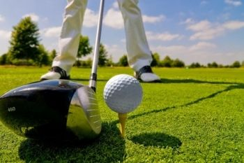 Waterstock Golf Academy: Four Group Lessons With PGA Coach for £25 (65% Off)