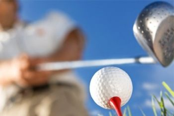 Oakmere Park Golf Club: Up to 6 Hours of PGA Lessons Plus Eighteen-Hole Round from £18 (60% Off)