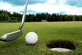 Lincoln Golf Centre: 18 Holes For Two With 90 Range Balls Each for £13.50 (60% Off)