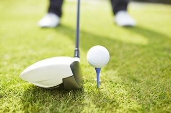 Half Day Golf With Lunch For Two (£15) or Four (£28) at Manston Golf Centre