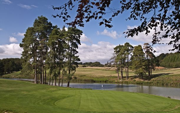 18 Holes For Two at the Picturesque Heythrop Park Resort in Oxfordshire. Includes a Tea or Coffee each