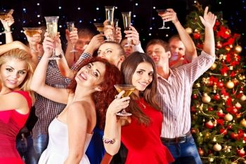 £10 instead of £20 for a two tickets to a Christmas party night at Woodkirk Valley Golf Club - dust off your dancing shoes and save 50%