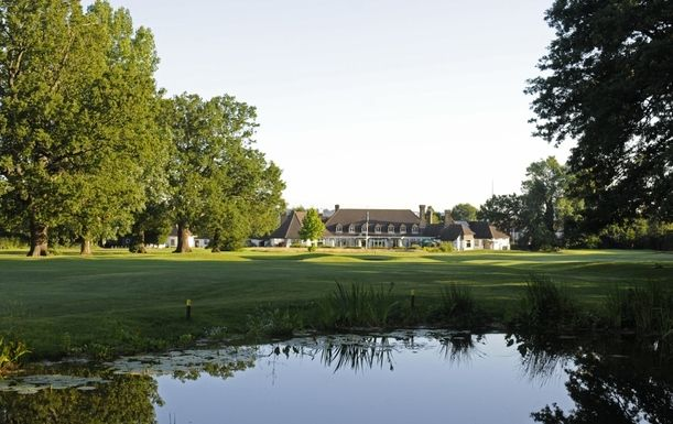 18 Holes of Golf for 2 players in the stunning Surrey countryside at Shirley Park Golf Club