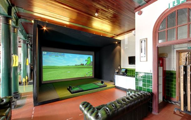 Two Hour State of the art Golf Simulator Experience for up to 6 players at Surbiton or Kensington Golf Studios