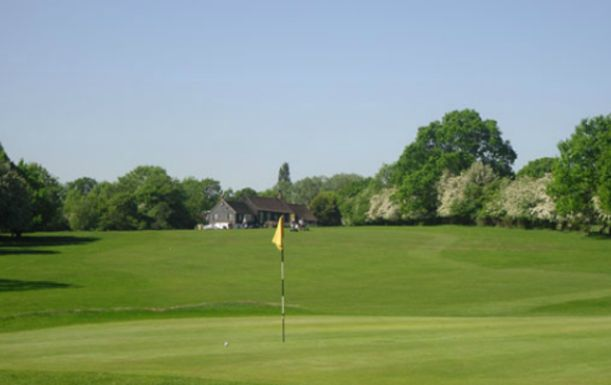 18 Holes for 2 including a Bacon Roll and Tea or Coffee each at Maylands Golf Club