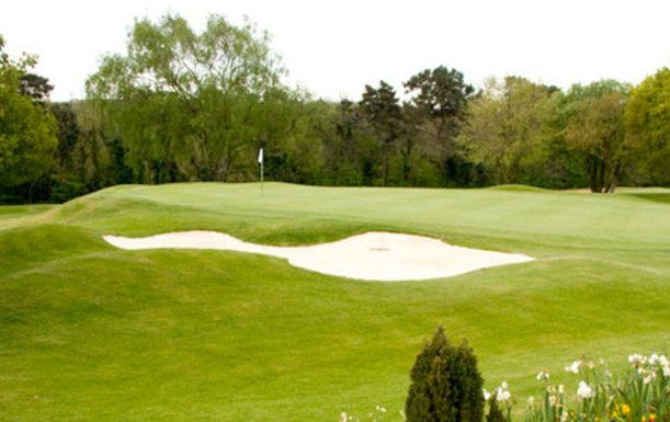 Sunday Night Special. Bed and Breakfast at Kingswood Golf & Country Club, including Two Rounds of Golf