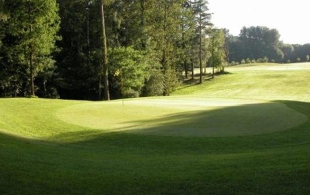 18 Holes for Two including a Bacon Roll & Tea or Coffee each at Hamptworth Golf & Country Club