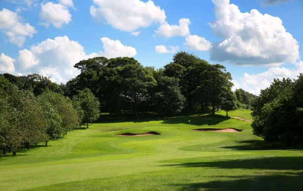18 Holes for TWO at Oulton Hall Golf & Spa. Plus a BONUS Sleeve of Titleist Balls per pair