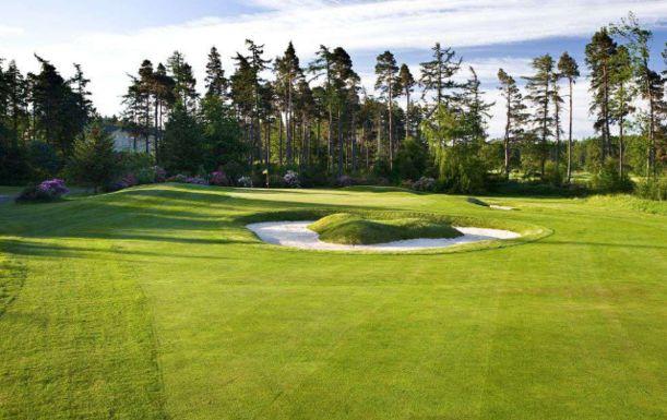 18 Holes for TWO at Slaley Hall Golf Resort. Plus a BONUS Sleeve of Titleist Balls per pair