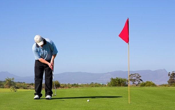 A Half Hour Lesson with PGA Professional, Geoffrey Thorpe at Kent & Surrey Golf & Country Club