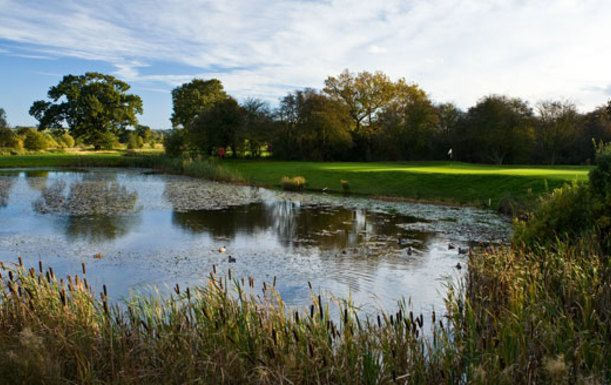 18 Holes For TWO including a Bacon Roll & Tea or Coffee each at Wychwood Park