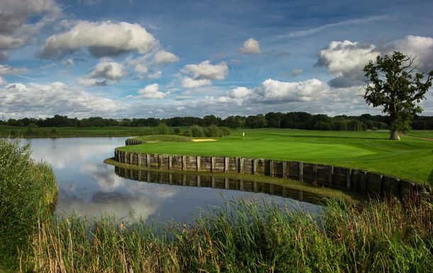 18 Holes for TWO including Breakfast each at Twisted Stone Golf Club