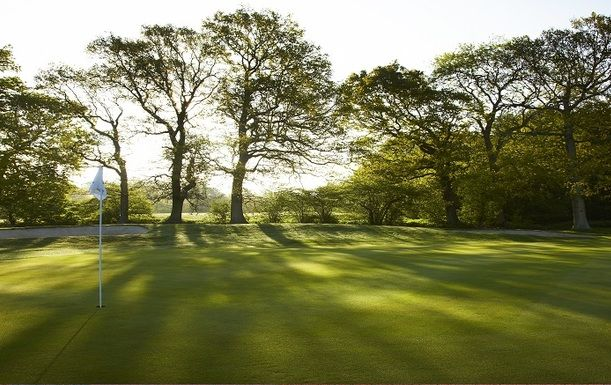 LIMITED 2 MONTH OFFER. 18 Holes for TWO at Lingfield Park Resort including a Bacon Roll and a Hot Drink Each