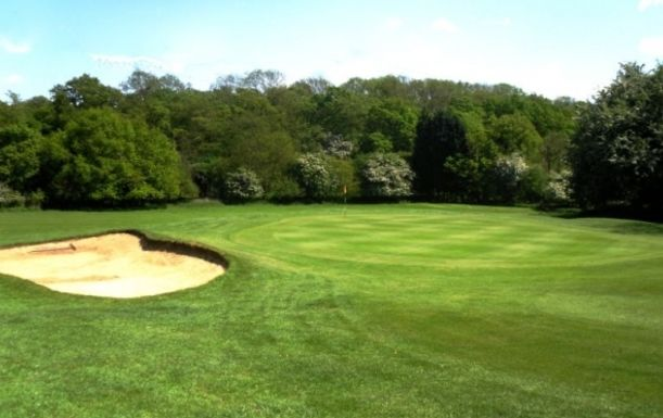 18 Holes for TWO including a Bacon Roll & Tea or Coffee each at Maylands Golf Club plus Half Price Buggy Option