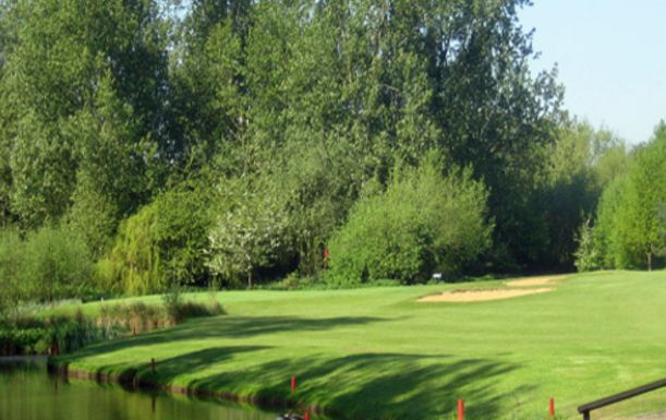 A Day of Unlimited Golf for TWO at the Award Winning Bletchingley Golf Club in the Stunning Surrey Countryside