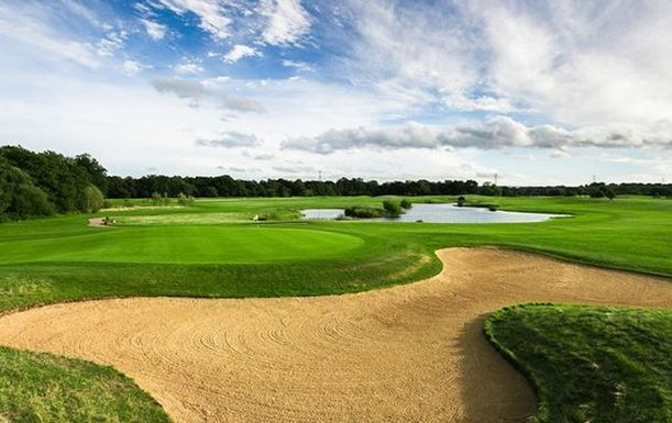 18 Holes For TWO with a Bacon Roll & a Tea or Coffee each at Twisted Stone Golf Club
